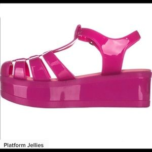 Jelly straight wedge